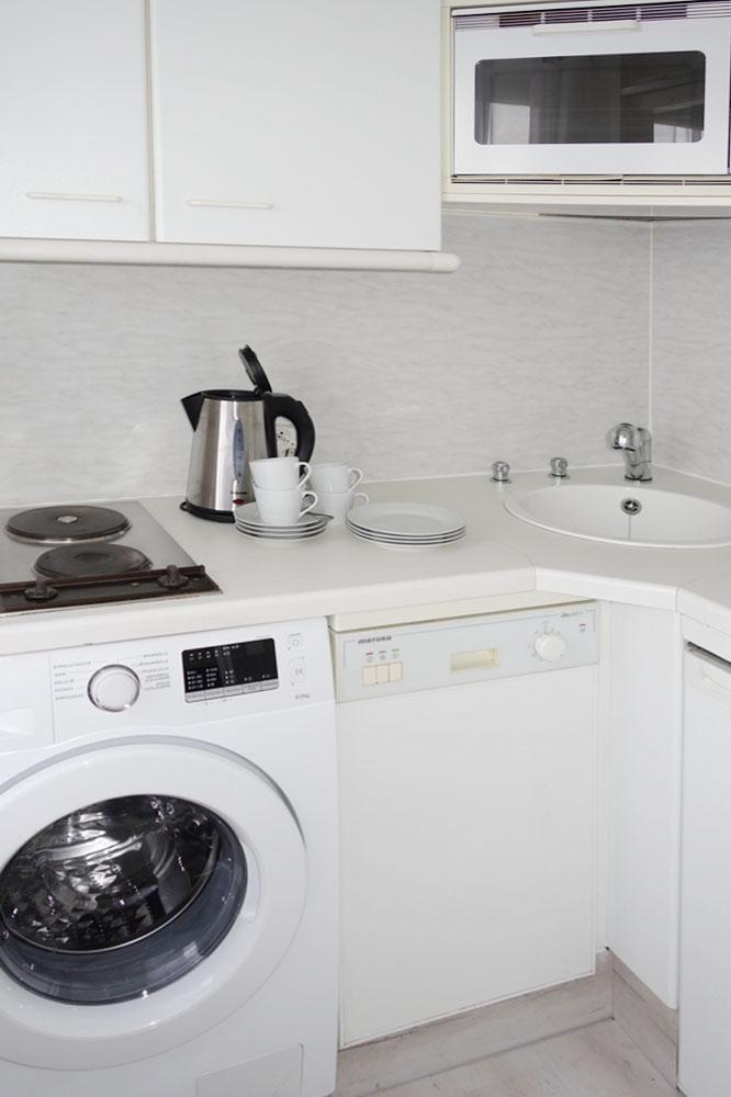 Einbauküche mit Waschmaschine_
