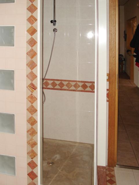 Dusche im Erdgeschoss