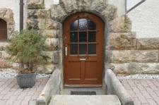 Büro/Gewerbe Eingang (seitl. im Hof)