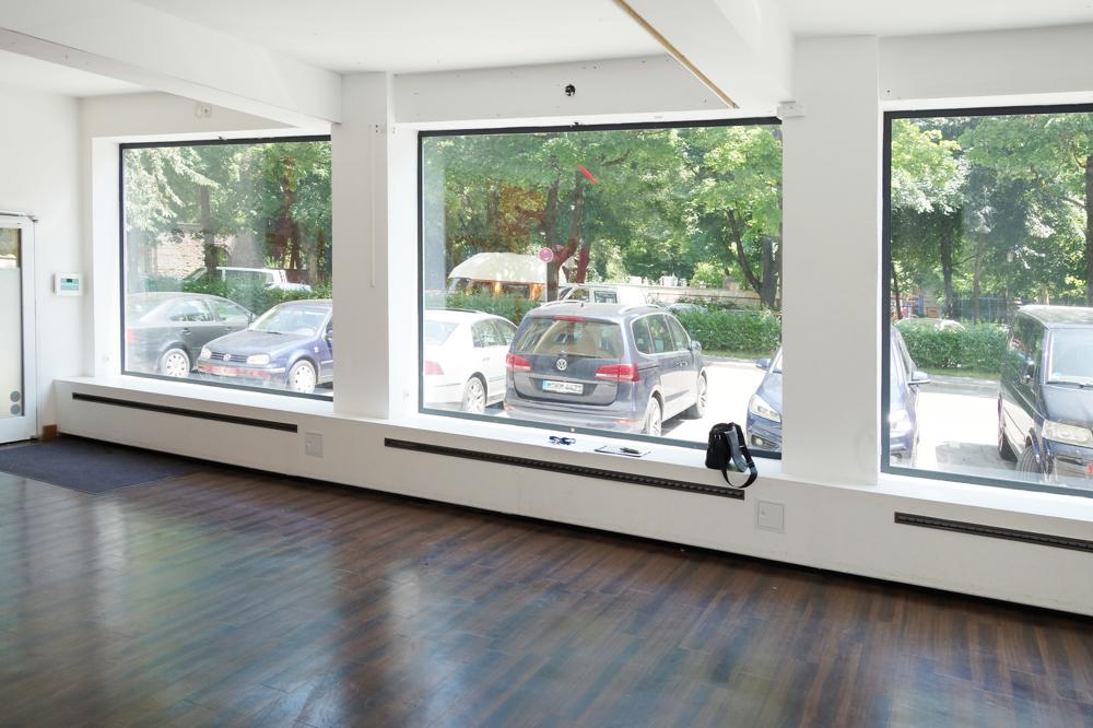 Blick zur Straße Raum 1