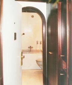 Flur Blick Richtung Badezimmer