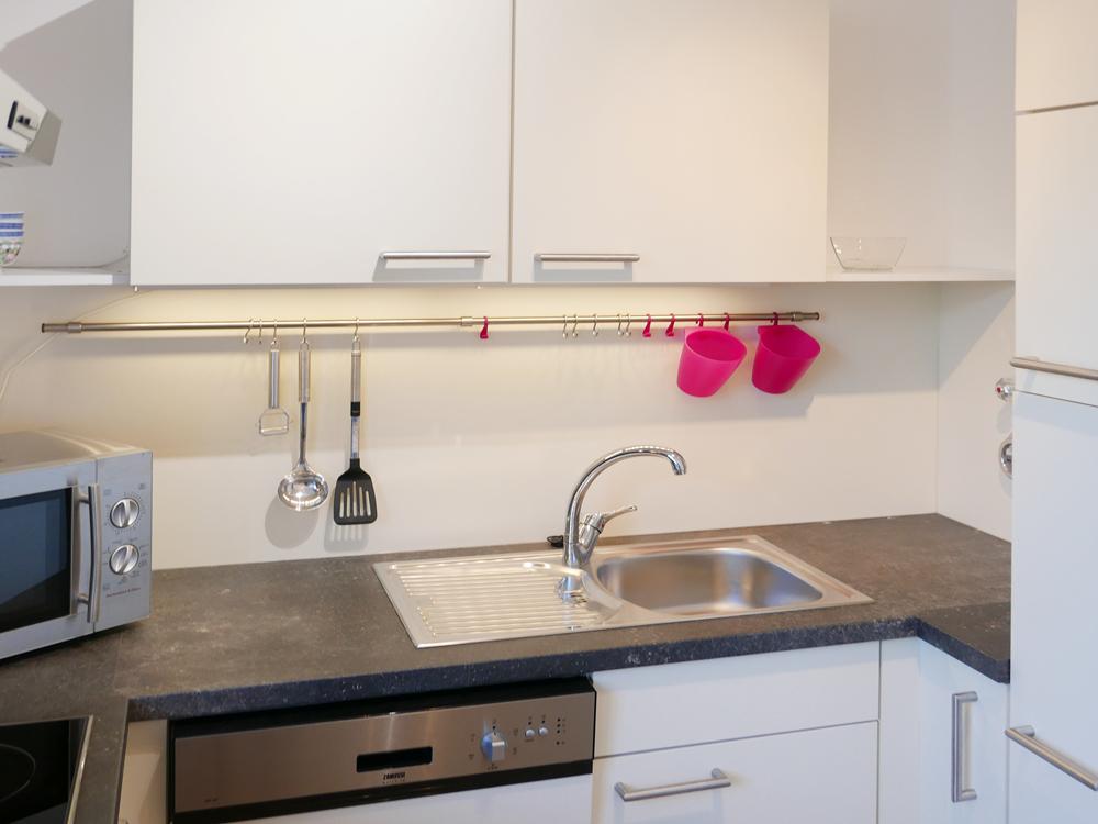 sep. Küche mit kl. Essbereich