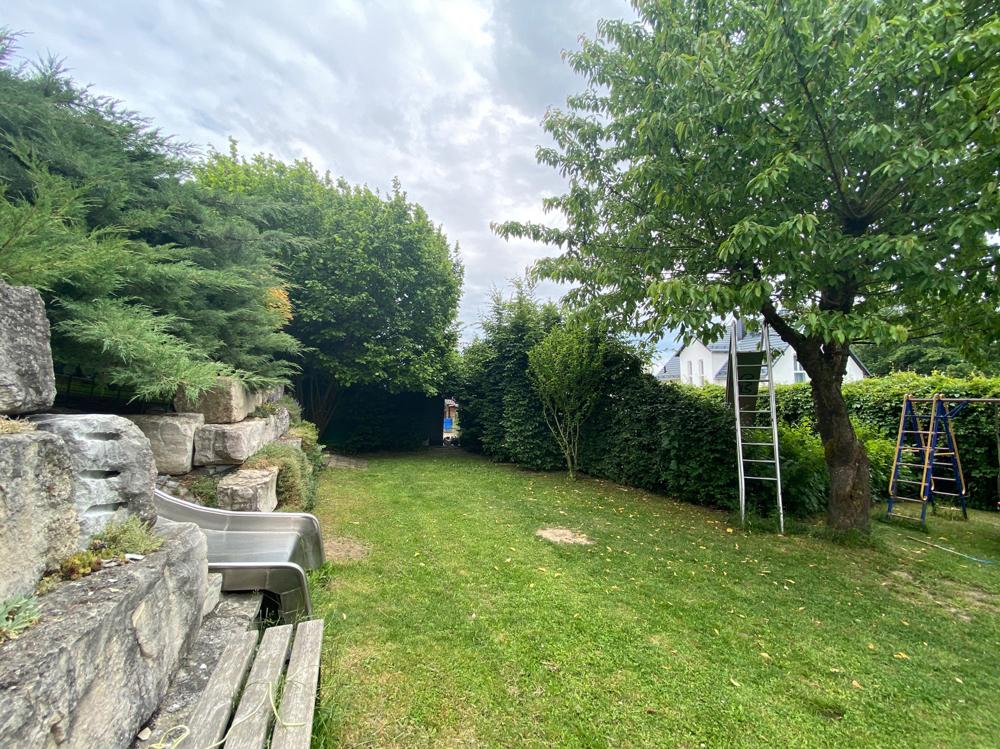 Garten unterhalb der Terrasse