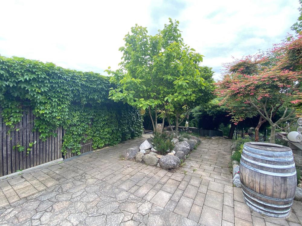 Terrasse (Ausschnitt links)