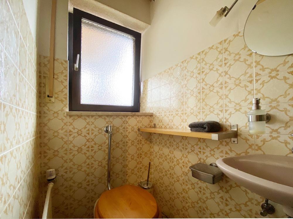 sep. Gäste WC Erdgeschoss