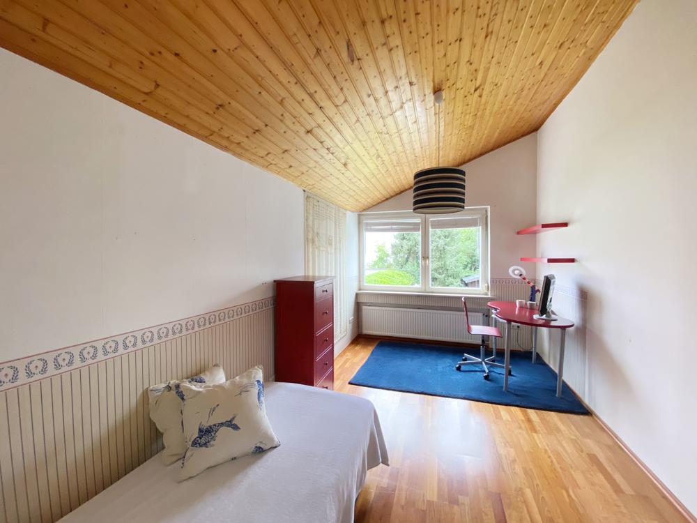 Schlafzimmer (1) OG