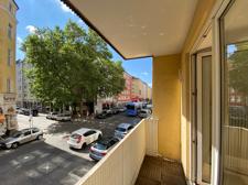 Balkonaussicht zur Theresienstraße