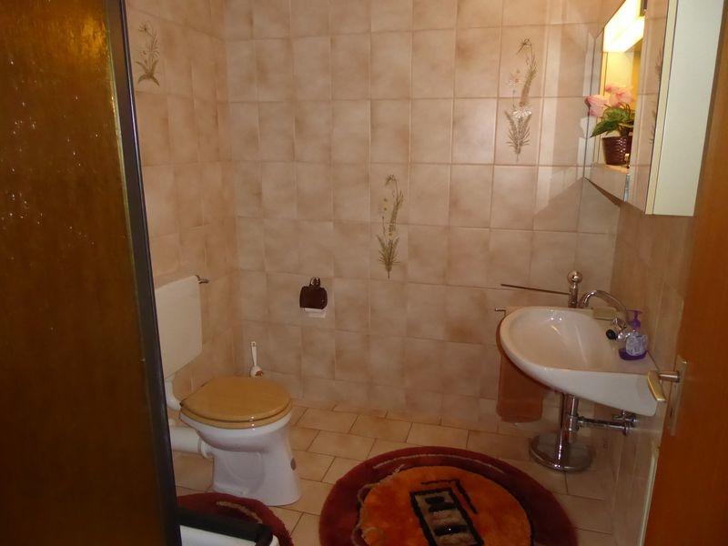 Duschbad neben der Sauna