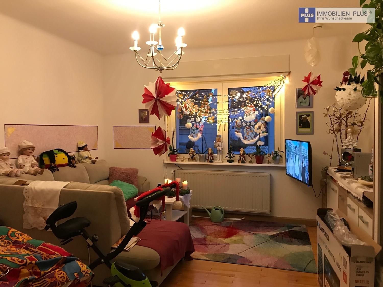 Whg-Nr. 4: Wohn-/Schlafzimmer