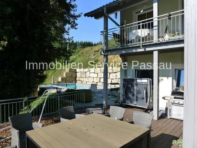 Terrasse + Pool