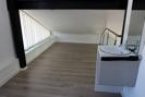 Galerie mit kleiner Waschgelegenheit