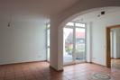 Wohnzimmer mit Eingang