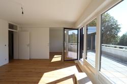 Wohnzimmer mit Zugangzur Terrasse