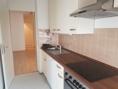 Küche mit Blick in den Flur