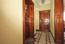 Nebendiele EG mit Küchen- und Gartenzugang sowie Gäste-WC