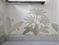 Handgemaltes, historisches Dekor an einigen Wandflächen im Wohnraum