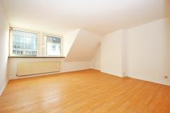 Der größere Wohnraum 2 - kaum Dachschrägen !