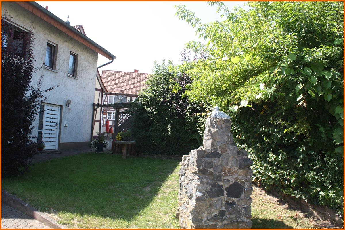 Eingang-Haus-Westen