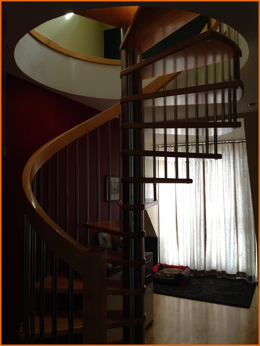 DG-Apartment Aufgang zum Schlafzimmer