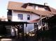 Carport und Hauseingang für beide Haushälften