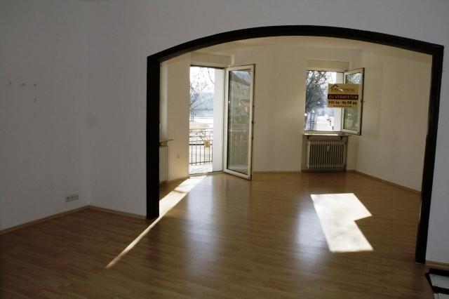 Wohn/-Schlafzimmer