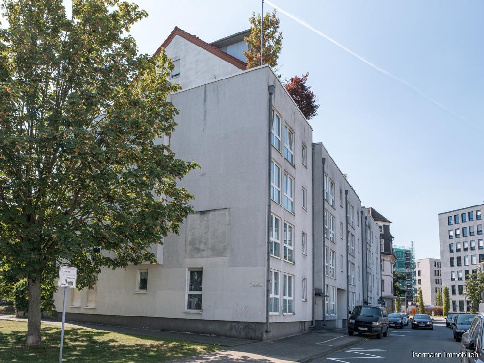 Die Immobilie liegt in zentraler Lage von Bielefeld.