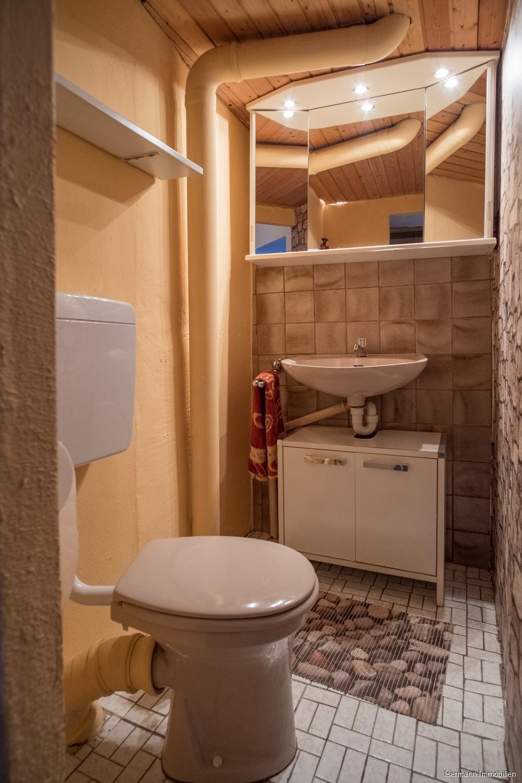 Gäste können ein weiteres WC nutzen.