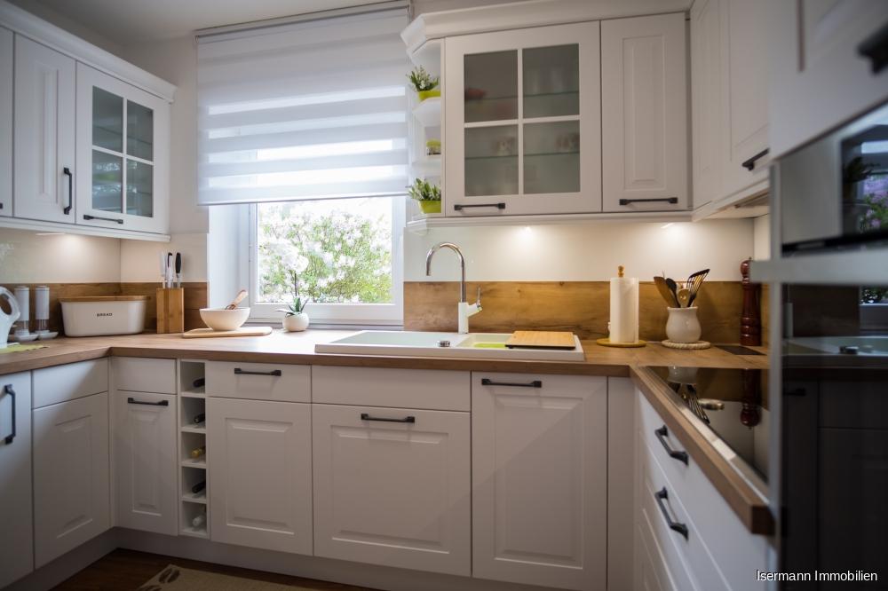 Die Küche wurde erst im letzten Jahr eingebaut...