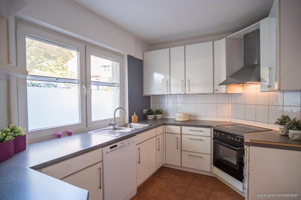 Die Küche bietet ausreichend Platz.