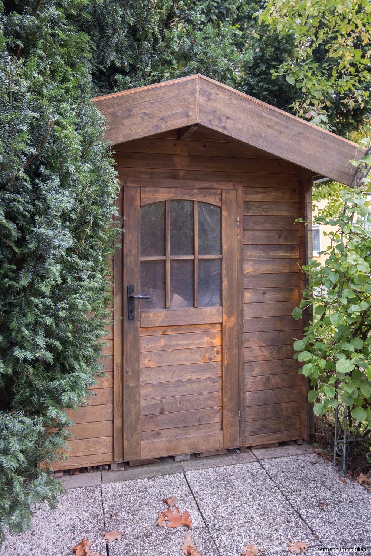 Für Fahrräder steht ein Gartenhaus zur Verfügung.