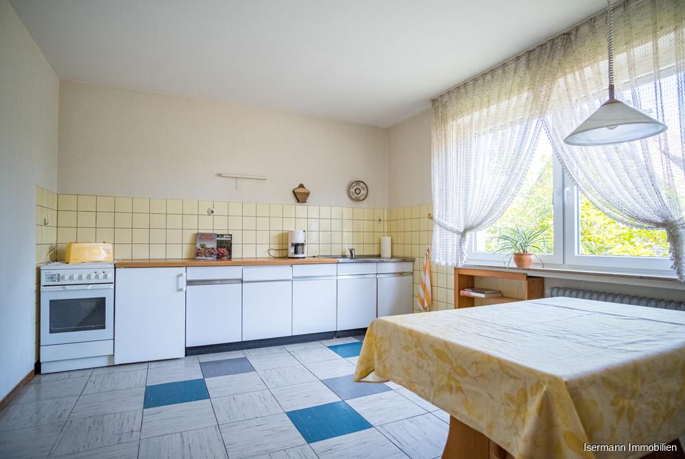 Umfangreichen Platz bietet auch die Küche im Erdgeschoss.