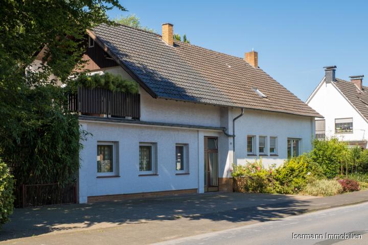 Großzügiges Mehrgenerationenhaus im Herzen von Marienfeld