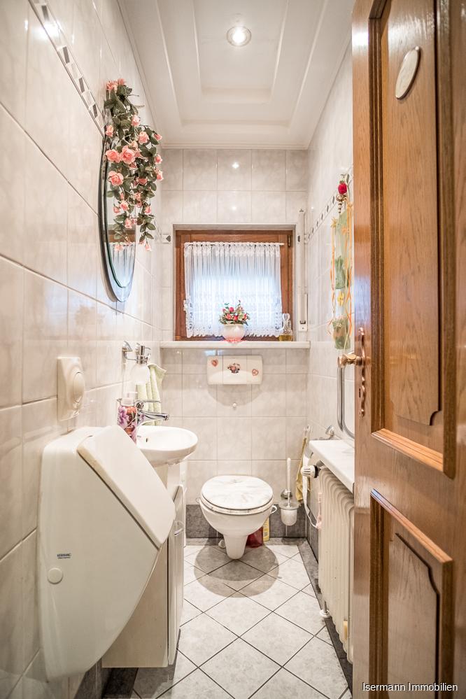 Für Gäste steht ein separates WC zur Verfügung.