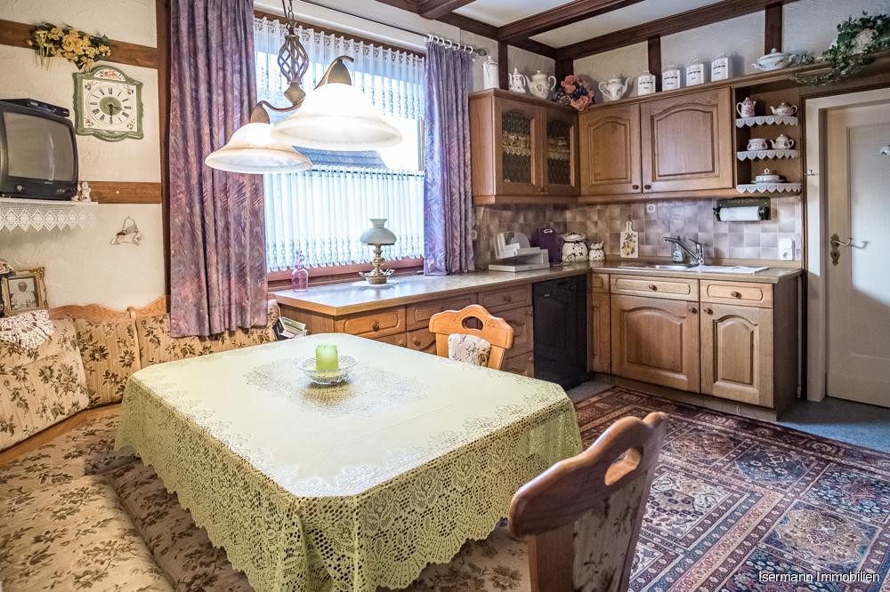 Die Küche im Erdgeschoss bietet viel Platz.