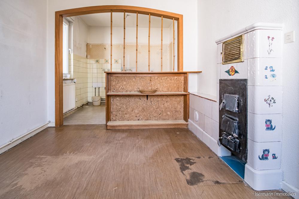 Auch im Essbereich finden sich Elemente des inzwischen stillgelegten Ofens.