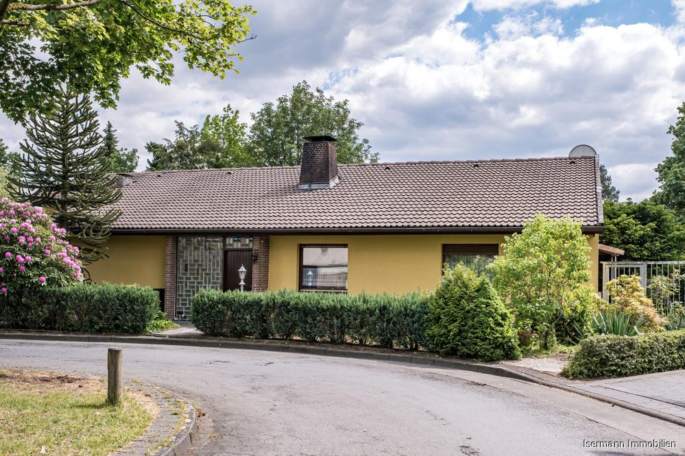 Großzügiger Bungalow mit großzügigem Garten in schöner Lage von Bielefeld-Sennestadt
