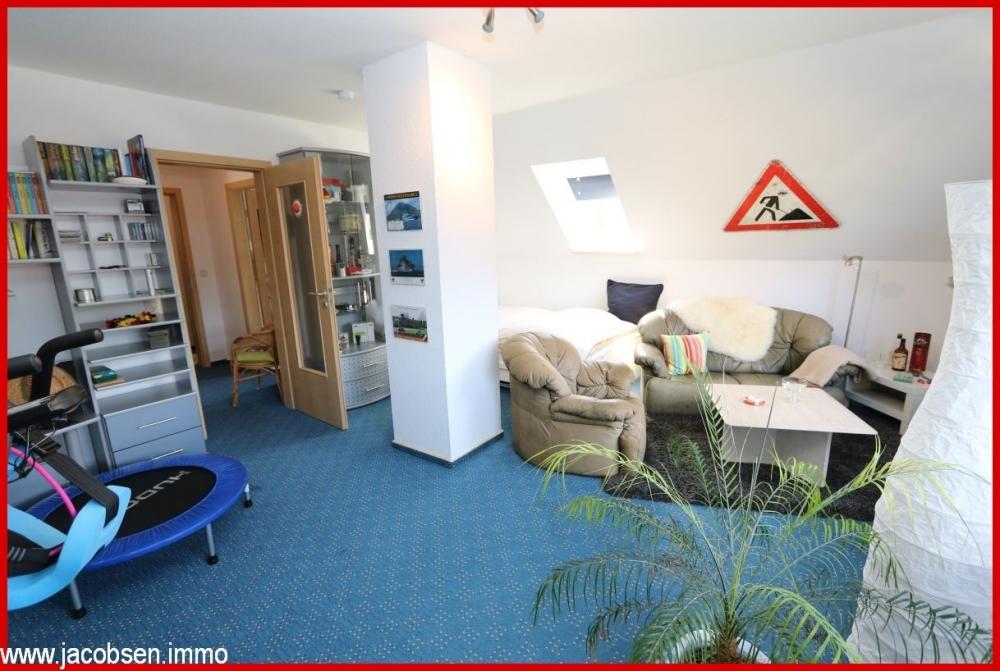 Wohn- und Schlafzimmer im Dachgeschoss