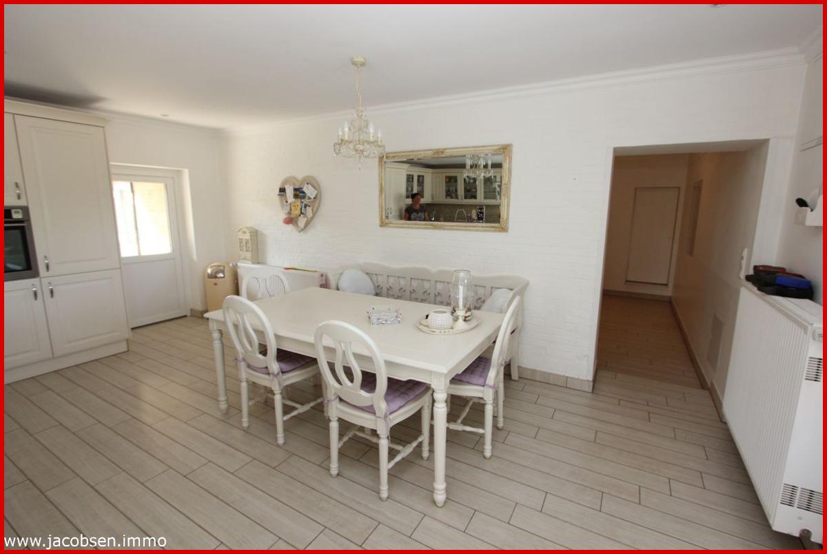 Wohnung 1 Küche mit Esstisch