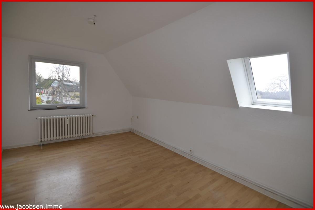 Wohnung 3 Dachgeschoss SchlafzimmerWhng. Gr. Zi DG