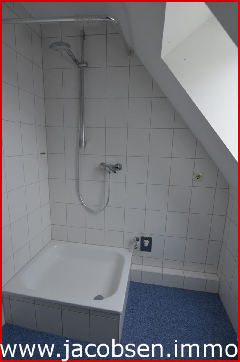 Wohnung 3 Dachgeschoss Dusche