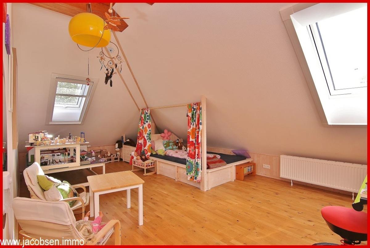 Kinderzimmer 1 Dachgeschoss