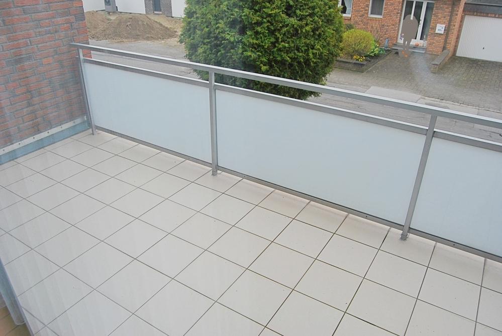 Balkon am Wohnzimmer_bearbeitet