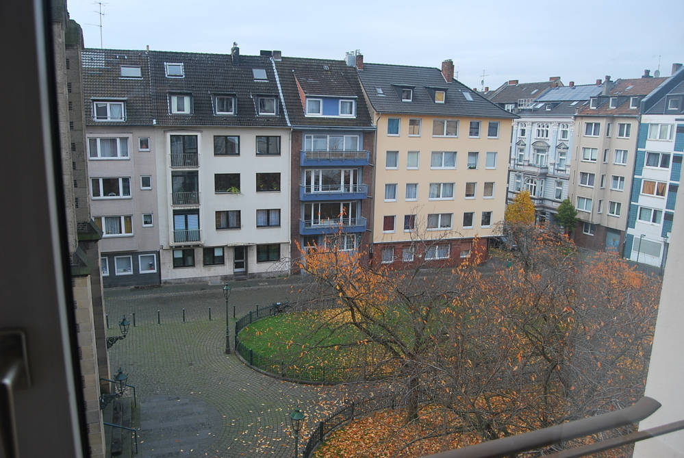 Platz vorm Haus