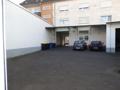 Hof_Mitarbeiterparkplatz