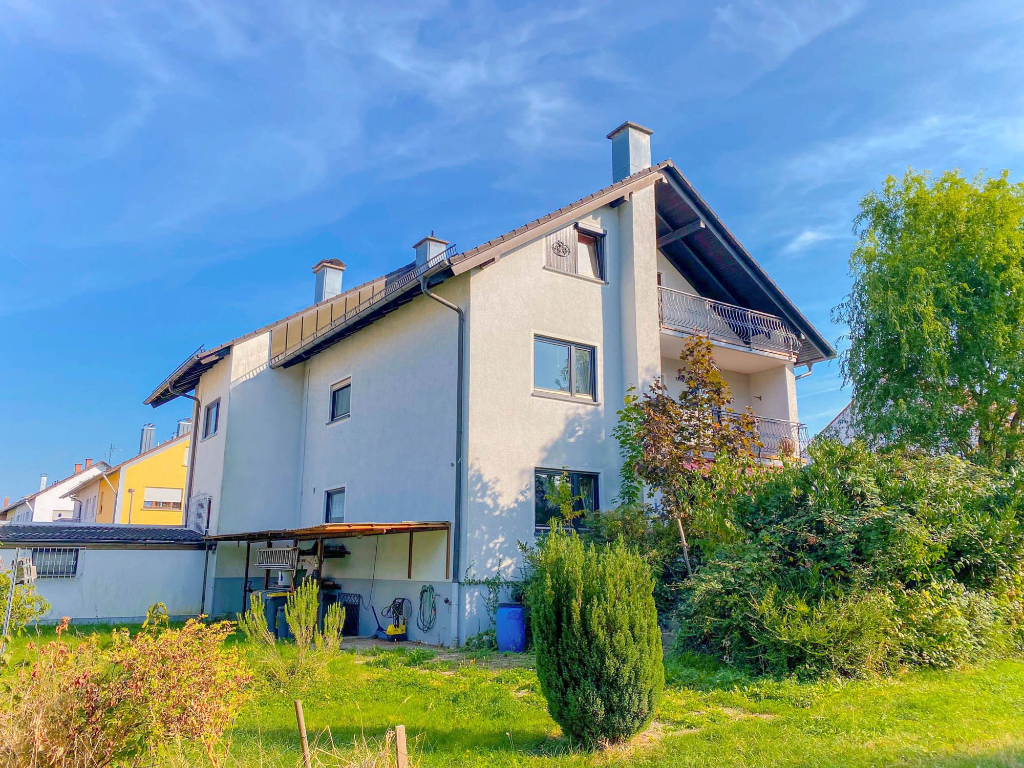 Große Doppelhaushälfte mit Garage in guter Lage von Kuppenheim