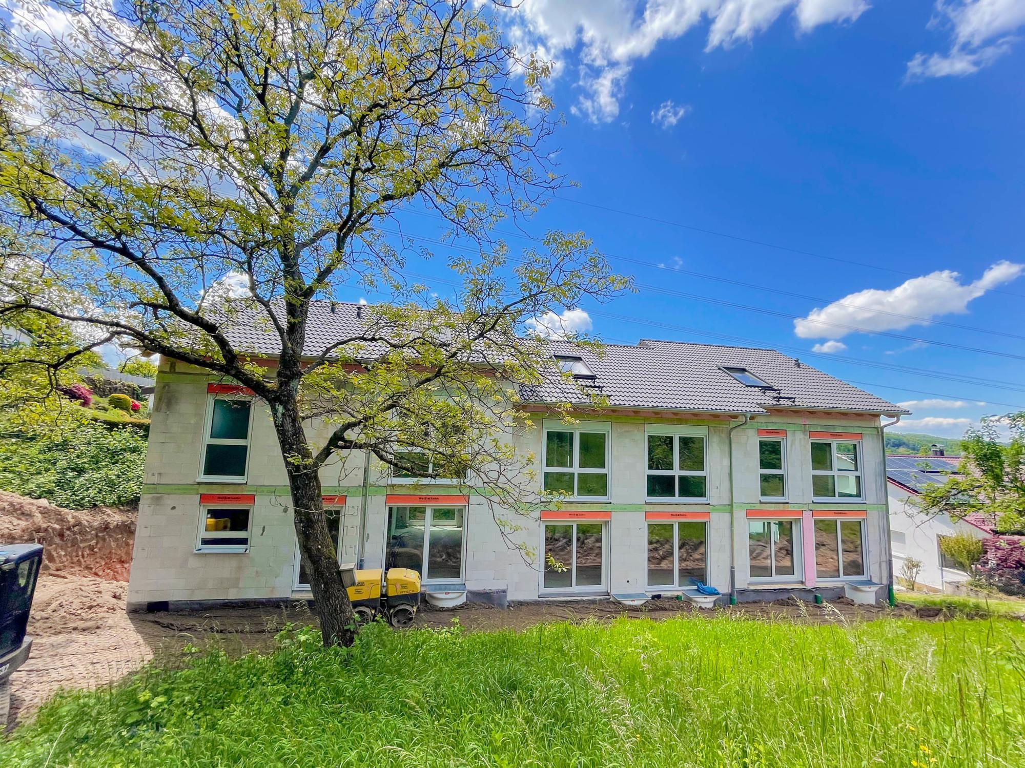 Reihenendhaus mit 4 1/2 Zimmern, Garage und Außenstellplatz zentrumsnah in Gaggenau