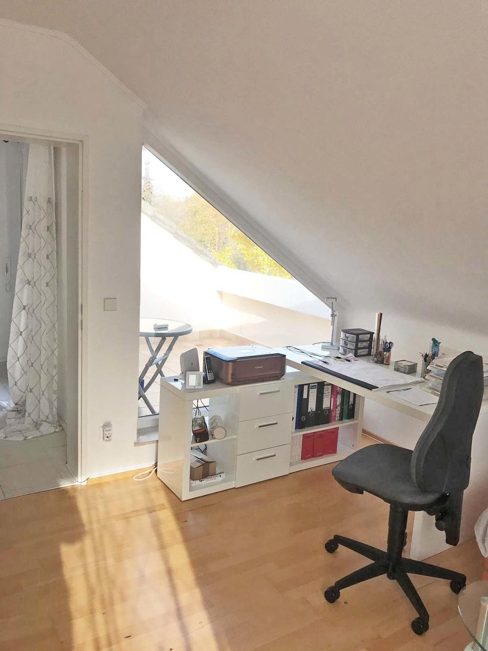 Blick von Wohnzimmer auf Balk