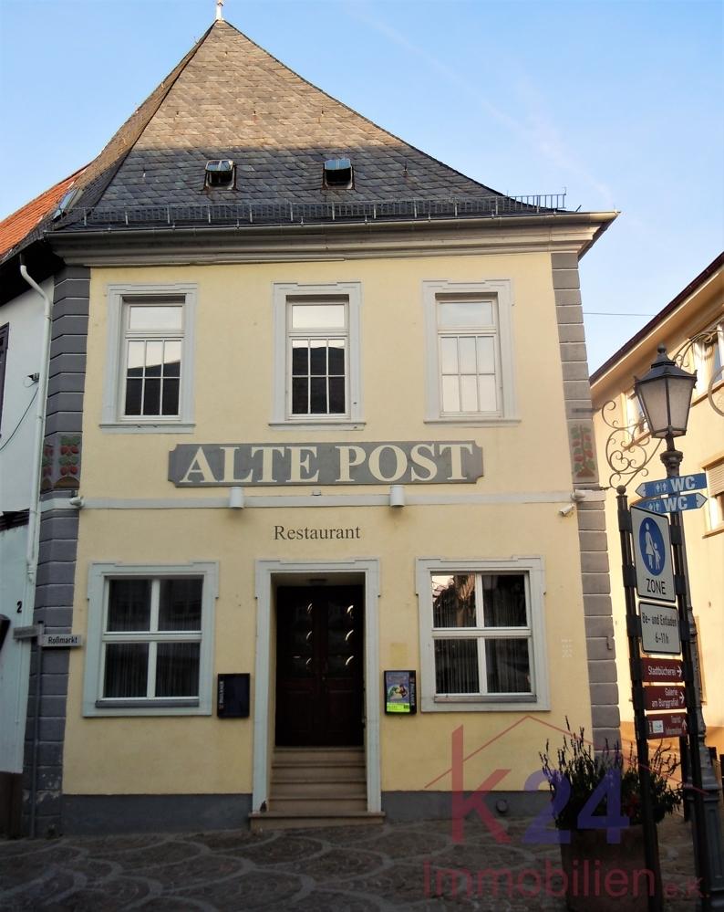 ...sowie dem edlen italienischen Restaurant Alte Post.