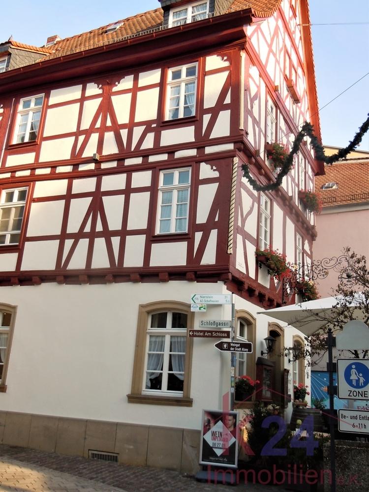 ... und dem Kult-Restaurant Zum Römer - alte rheinhessische Gerichte - ...