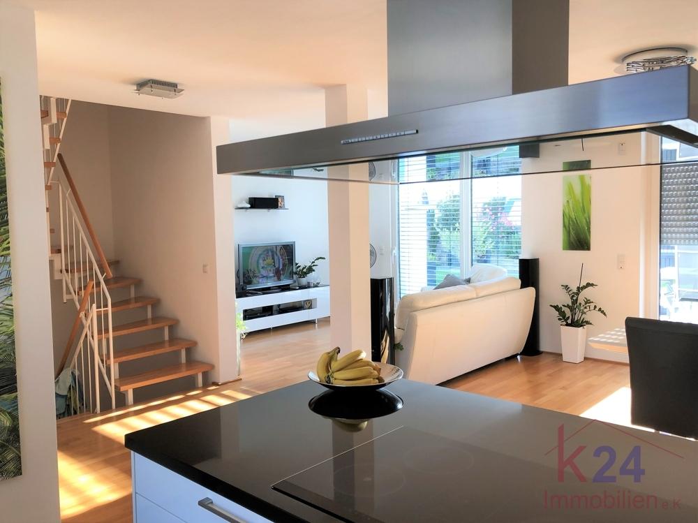 Küche + Wohnbereich EG